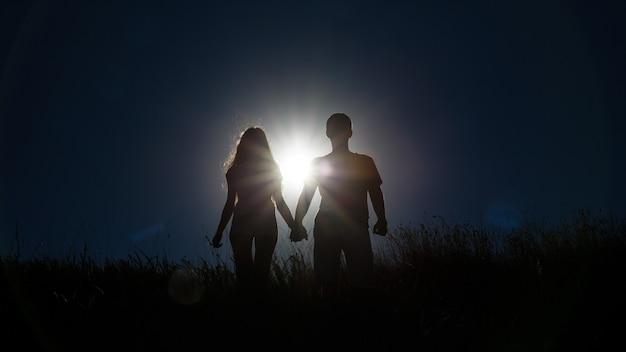Sillhouette paar liefde