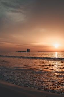 Silouette bij zonsondergang