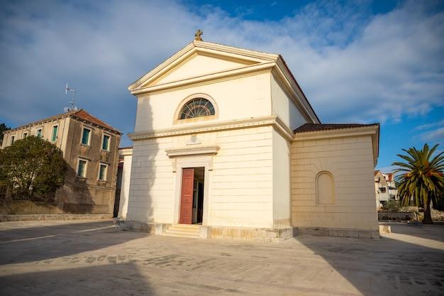 Sint-jozefkerk in vela luka op het eiland korcula, kroatië