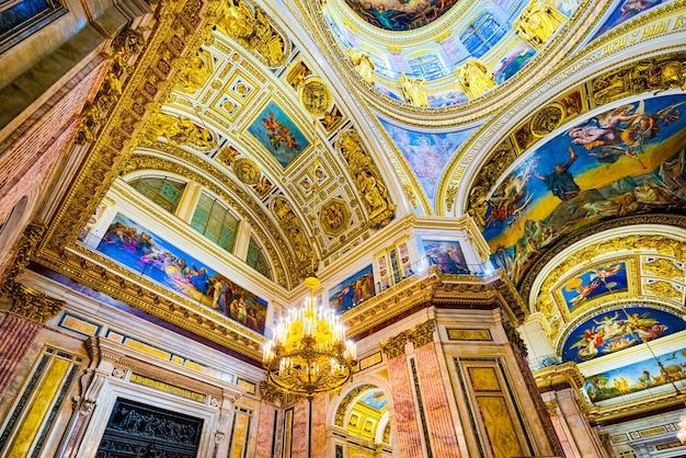 Sint-petersburg, rusland - 07 november 2019: binnen in de sint-isaakkathedraal - grootste architecturale creatie. sint petersburg.