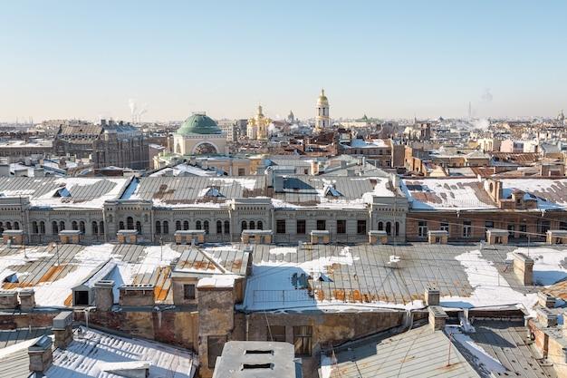 Sint-petersburg, rusland - luchtfoto panorama op een zonnige winterdag.
