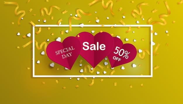 Sjabloon voor spandoek van speciale dag verkoop met rode harten en gouden confetti. valentijn korting