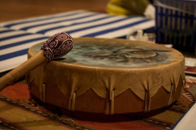 Sjamanistische trommel gebruikt bij speciale ceremonies zoals de ceremonie met het gebruik van ayahuasca.