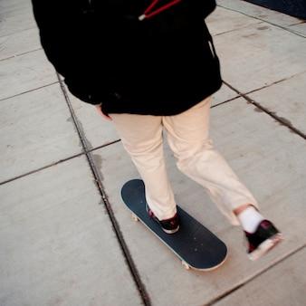 Skateboard op stoep in boston, massachusetts, de vs