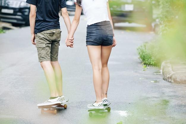 Skateboarden paar
