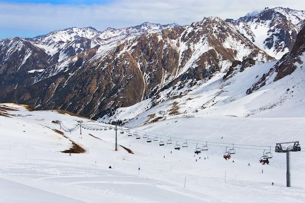 Skigebied shymbulak in kazachstan