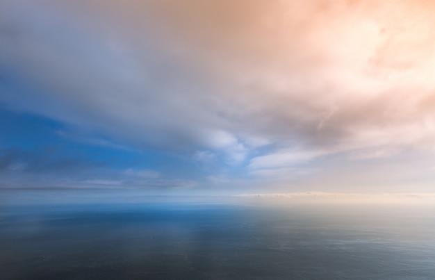 Skyline op de zee