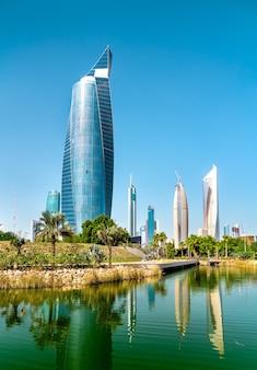 Skyline van koeweit-stad in al shaheed park