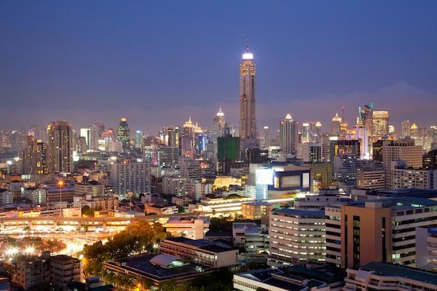 Skylines in de lucht van bangkok