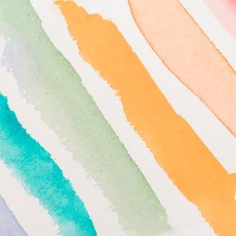 Slagen van kleurrijke doorschijnende kleurstof
