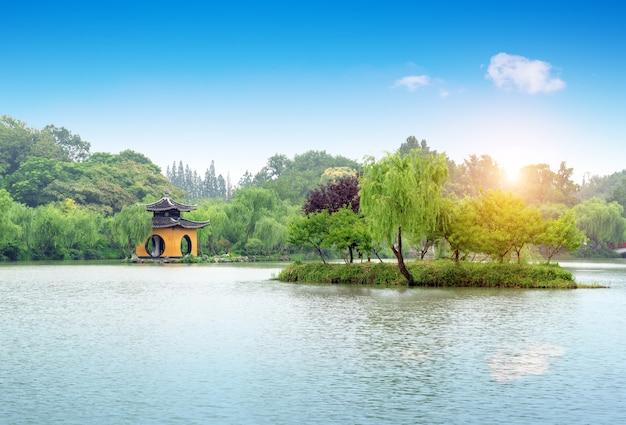 Slank landschap van het west lake