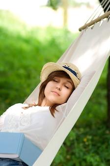 Slapen op een hangmat