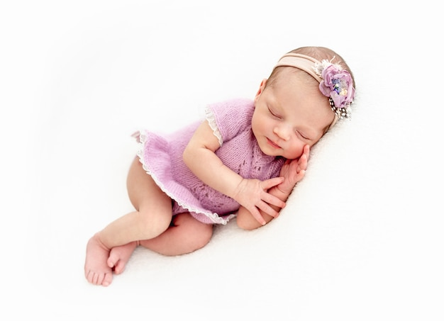 Slapen pasgeboren babymeisje
