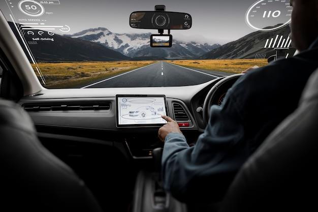 Slim autonavigatiescherm met snelheidsmeter