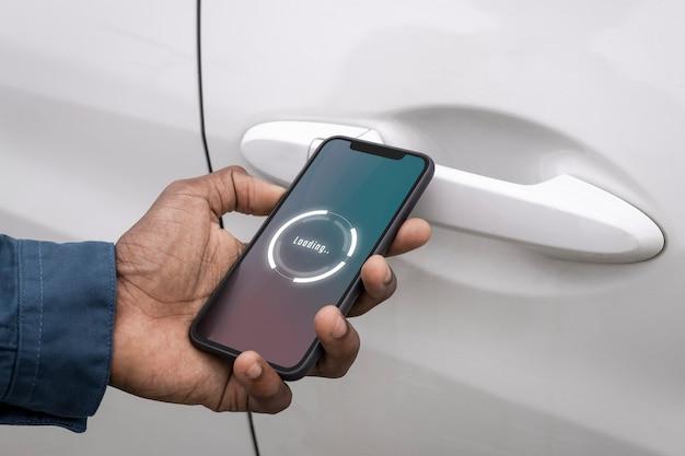 Slimme auto ontgrendelen via mobiele telefoontoepassing
