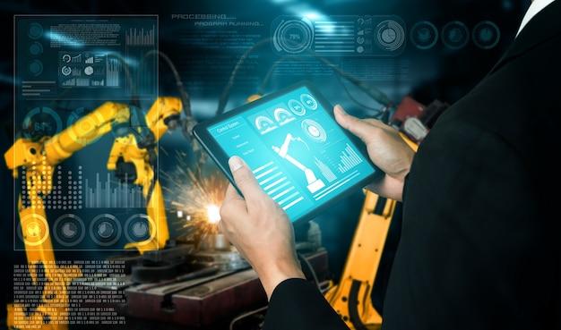 Slimme industriële robotarmen in digitale fabrieksproductie