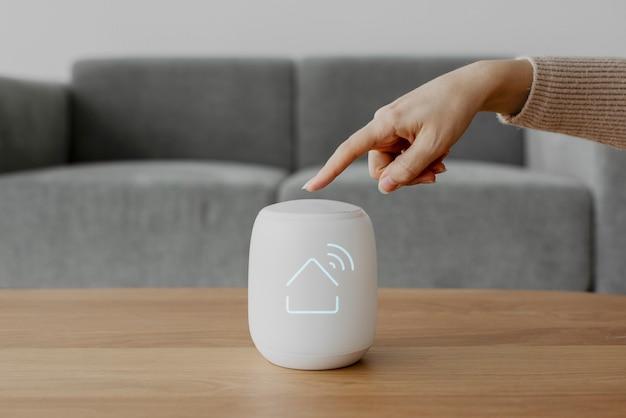 Slimme luidspreker voor huisbediening innovatieve technologie