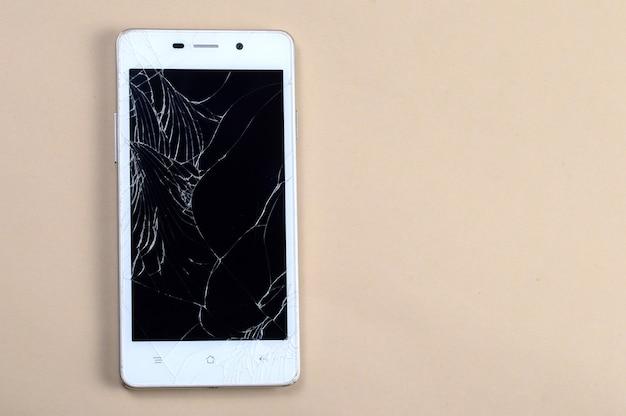 Slimme telefoon met gebroken scherm
