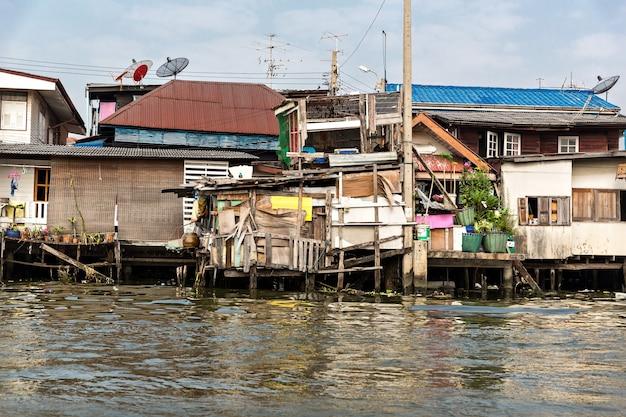 Sloppenwijk in thailand