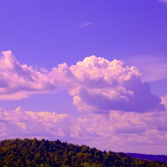 Slovenië. bergen en lucht. natuur reizen dromen concept