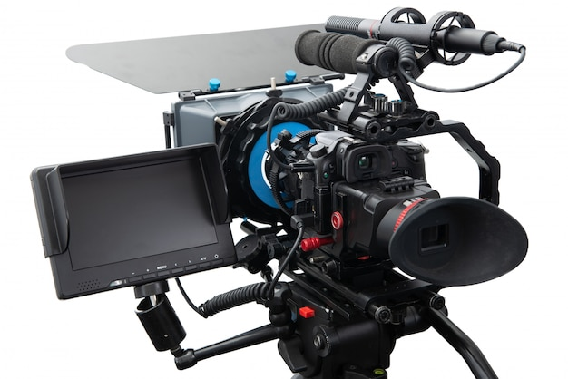 Slr videocamera rig geïsoleerd op een witte ondergrond