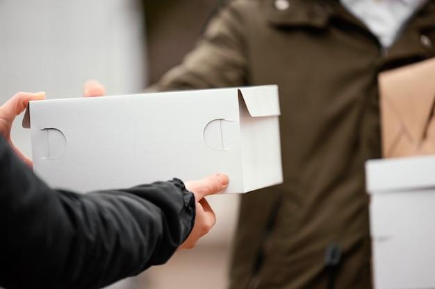 Sluit de ondertekening voor pakketbezorging