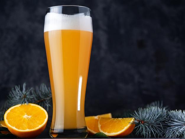 Sluit een pint bier met schuim