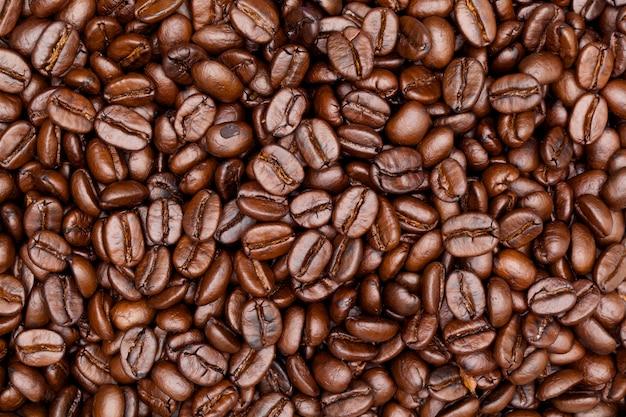 Sluit omhoog ontsproten van koffieachtergrond