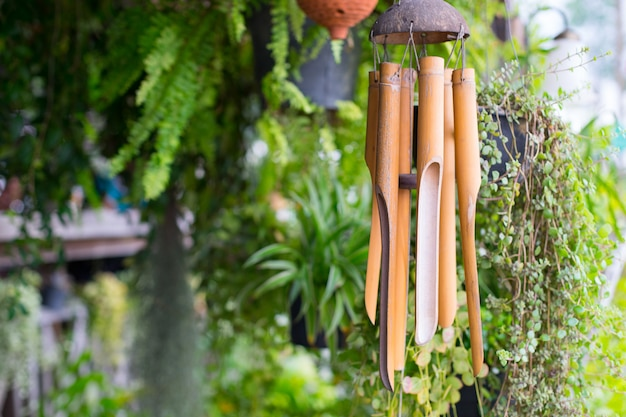 Sluit omhoog op een houten windklokkengelui