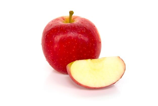 Sluit omhoog rode die appel zwitserland op een witte achtergrond wordt geïsoleerd