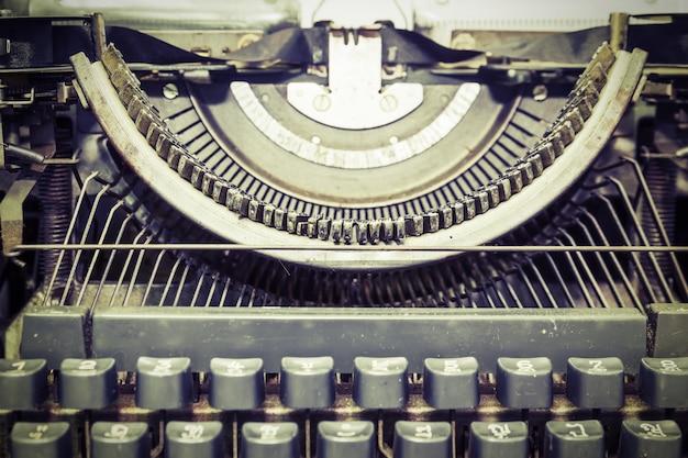 Sluit omhoog uitstekende draagbare schrijfmachine
