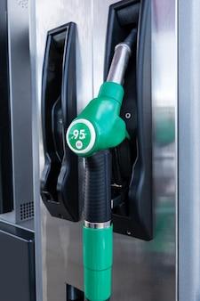 Sluit omhoog van benzinepomp