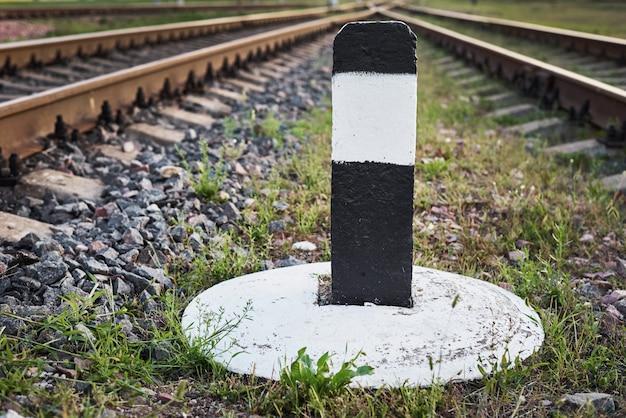 Sluit omhoog van de spoorweggrensbar