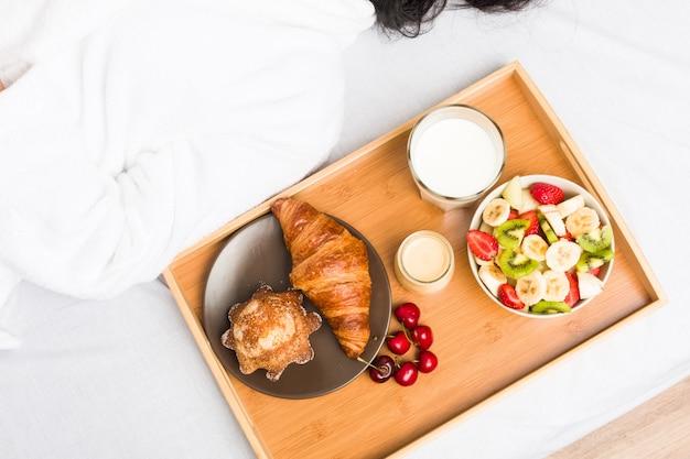 Sluit omhoog van een europees klassiek ontbijt