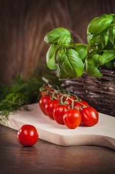 Sluit omhoog van ingrediënten voor italiaanse maaltijd