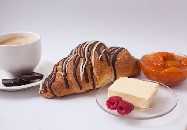 Sluit tot zoete croissant met exemplaarruimte
