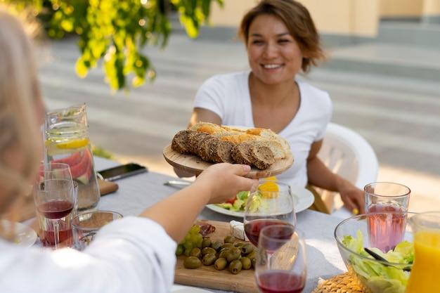 Sluit vrienden af met heerlijk eten