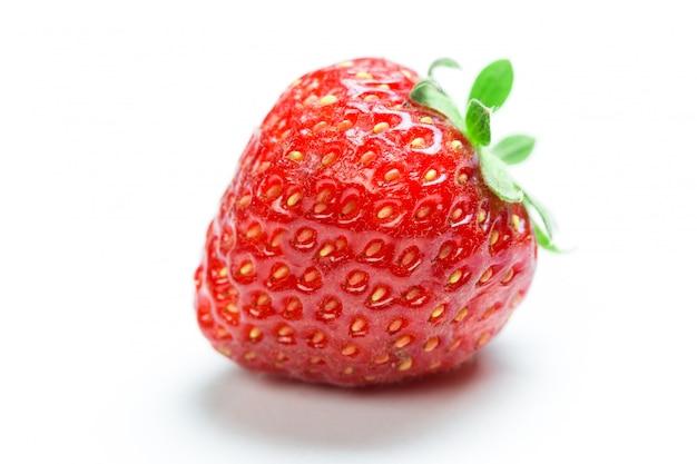 Smakelijk geïsoleerd aardbeifruit