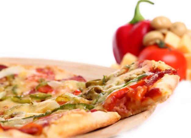 Smakelijke plantaardige pizza