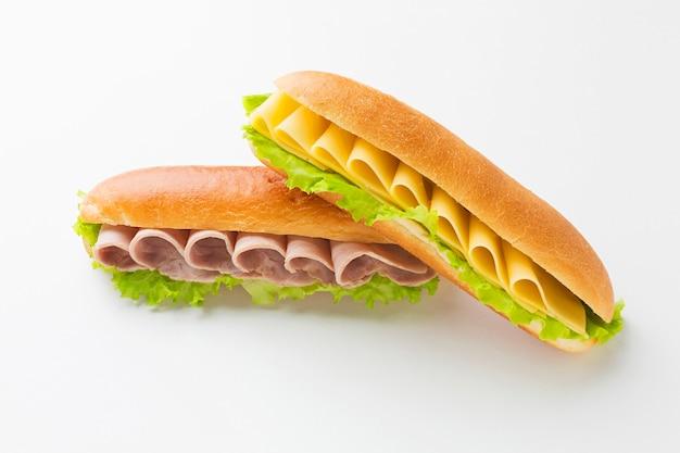 Smakelijke sandwichregeling dicht omhoog
