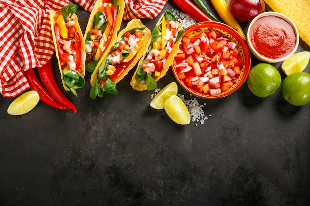 Smakelijke smakelijke taco's met groenten
