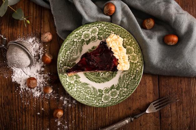 Smakelijke zelfgemaakte cake met kastanjes