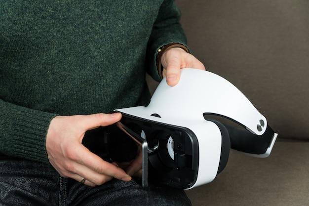 Smartphone aansluiten op virtual reality-headset