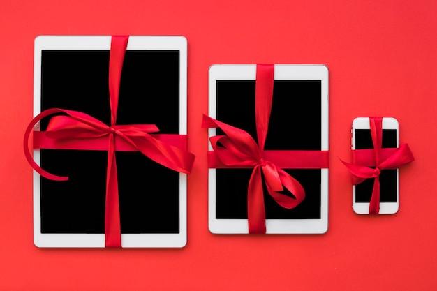 Smartphone en tablets met linten