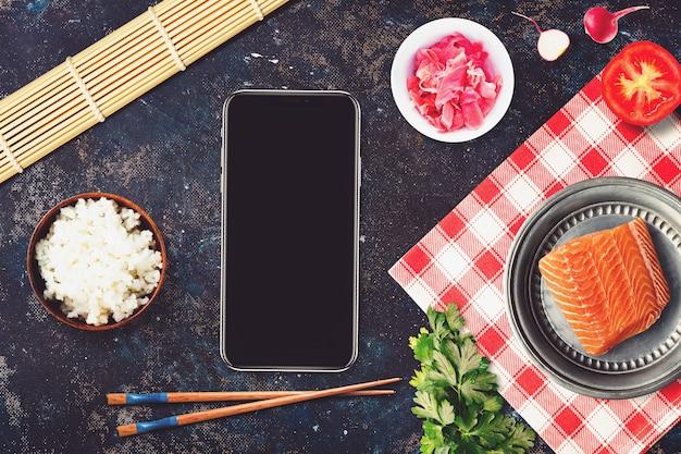Smartphone in een sushi bar restaurant scène