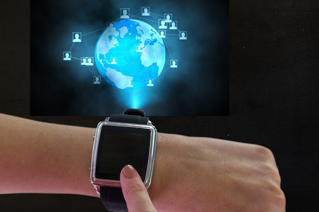 Smartwatch met earth globe