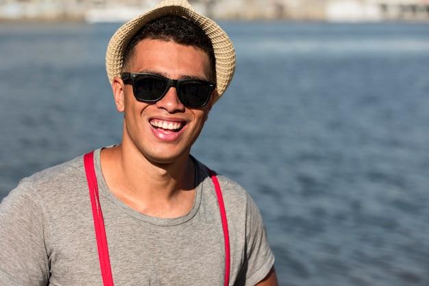 Smileymens die zich voordeed op het strand