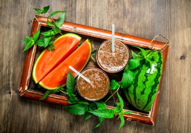 Smoothie van watermeloen en munt