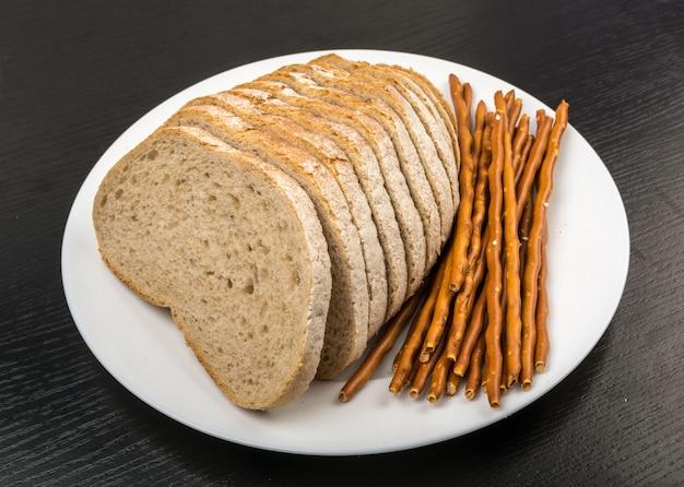 Sneetjes bruin brood