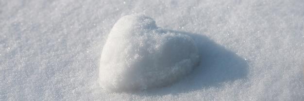 Sneeuw hart abstract concept